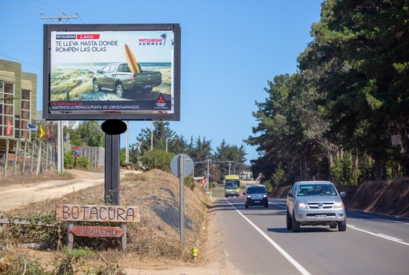 Foto de Camino a Punta de Lobos desde Pichilemu a 2 km del cruce