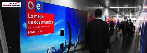 Foto de Manga Embarque / Zona de Embarque / Llegada, Puerta 28 - Aeropuerto Santiago