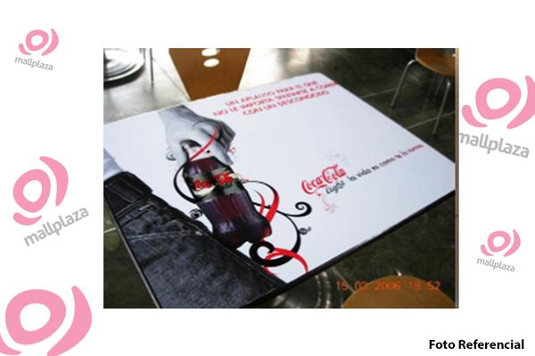 Foto de Mesas Patio de Comidas - Plaza Iquique