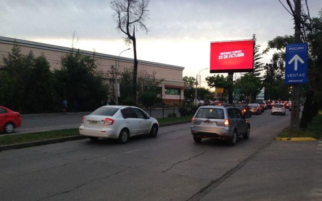 Foto de Av. Carlos Schorr frente a Jumbo- Talca (N-S)