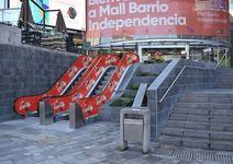 Thumb mall independencia escaleras mecanicas acceso ppal exterior sector starbucks 1
