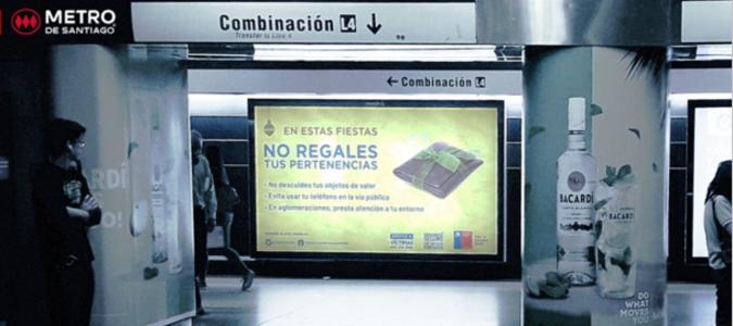 Foto de Paneles - Estación Tobalaba L1 (1)
