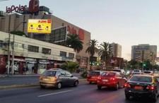 Gran Avenida costado Mall Espacio Urbano (paradero 16)