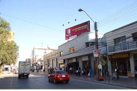 Foto de Ohiggins frente a Plaza de Armas