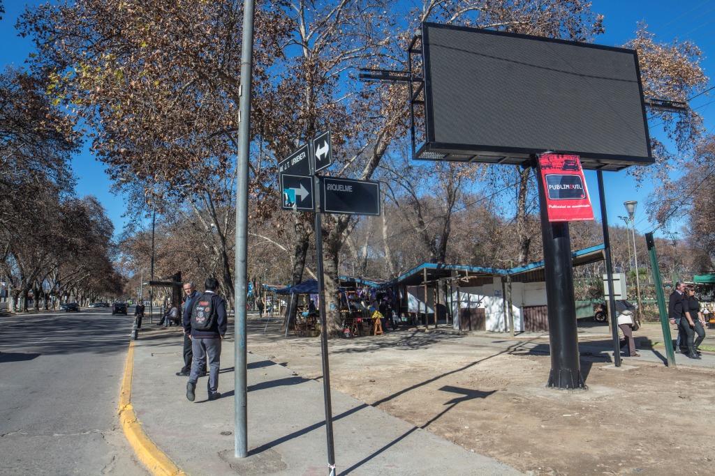 Pantalla Gigante Led P10 Urmeneta con Riquelme, San Francisco de ...