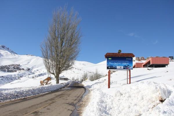 Foto de Letrero Camino El Colorado y La Parva