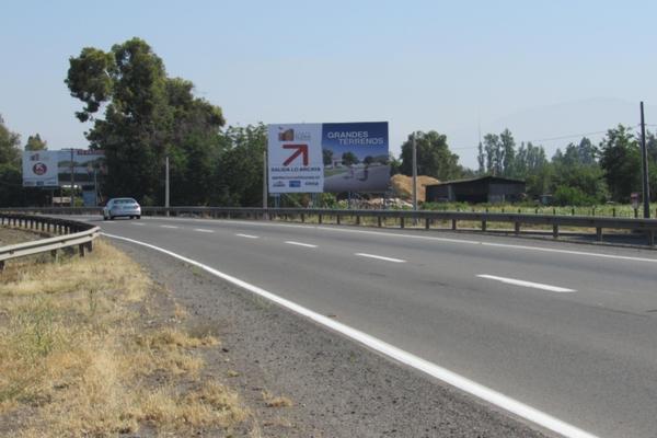 Carretera San Martín hacia Brisas de Chicureo