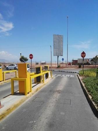 Foto de Exterior Salida del Aeropuerto / Estacionamiento - Antofagasta.