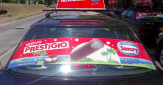 Publicidad en taxis y colectivos