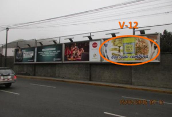 Foto de Av. El Polo cdra 11con calle Pio XII N° 123-V12