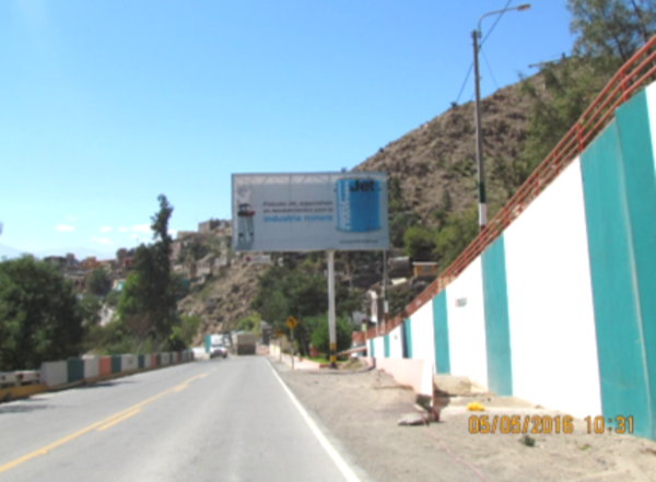 Foto de Antigua panamericana Alt. Del Km. 17 frente a la Asociación Virgen de las Calendaria - Cerro Verde