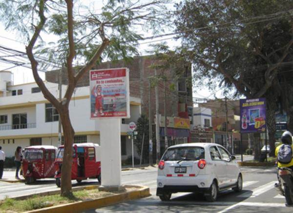 Foto de Av. San Martín Cdra. 12 con las Margaritas