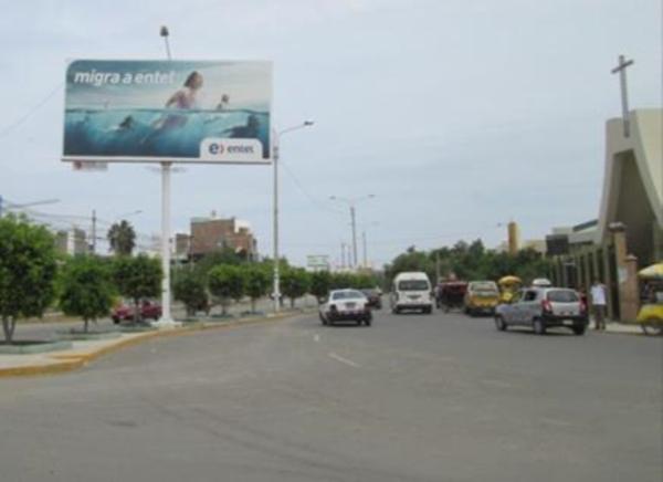 Foto de Av. Juan Tomis Stack - Hacia Metro