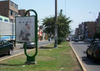 Av. Santa Anita con calle las Lilias ( frente a Colegio B. Franklin)