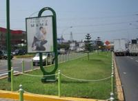 Santiago de Chuco frente a grifo Pecsa y Teatro Municipal