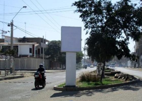 Foto de Av. Luis Jerónimo de Cabrera Cdra. 03