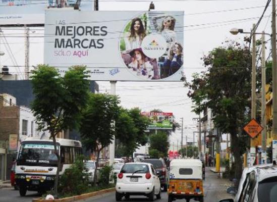 Foto de Av. Cutervo cdra. 1 - Hacia Plaza del Sol