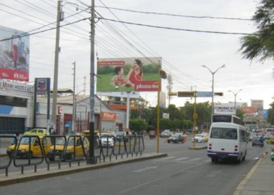 Foto de Pról. Sánchez Cerro altura.- Av. Sullana, Mercado Modelo.