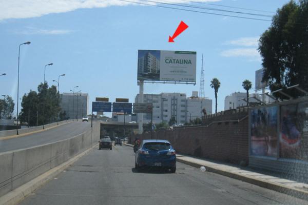 Foto de AV.  EL DERBY  / CRUCE CON CARRETERA PANAMERICANA SUR