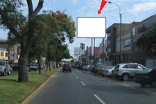 AV.  LA ENCALADA Cdra. 7.00Nro. 769 / 771 CC. MONTERRICO