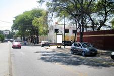 AV.  SAN RAMON Cdra. 2.00 / ESQ. CALLE FEDERICO HELGUERO FRENTE A PORTON COLEGIO STA. MARIA