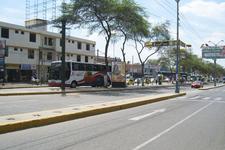 AV.  LOS TALLANES  / FRENTE A TRANSPORTES LINEA