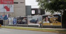 AV. CAMINOS DEL INCA  CDRA. 1 (CERCO PLAYA ESTAC. AL LADO 131 URB. CHACARILLA DEL ESTANQUE -C