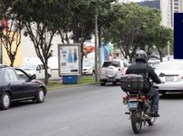 AV. JAVIER PRADO ESTE CDRA. 49 / FTE AL BANCO DE CREDITO