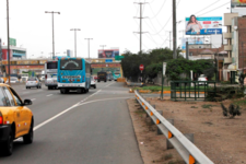 Panamericana Sur- antes del Puente atocongo Frente al Open plaza