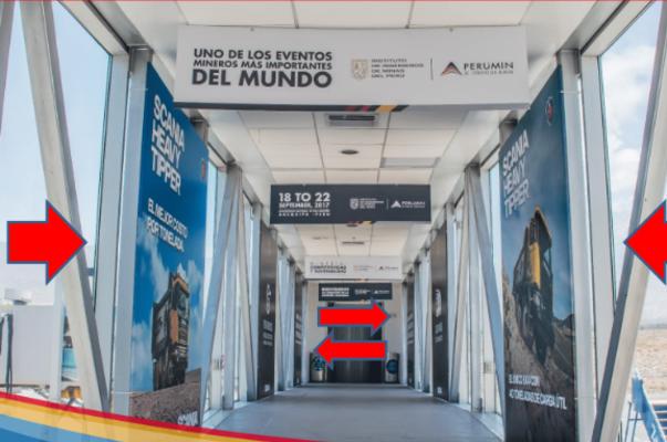Foto de Aeropuerto Arequipa - 19 Carteles Intercalados Puentes Fijos - Ingreso y Salida Aviones