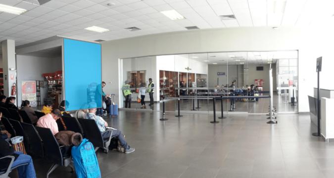 Foto de Aeropuerto de Juliaca - Vinil - Sala de Embarques